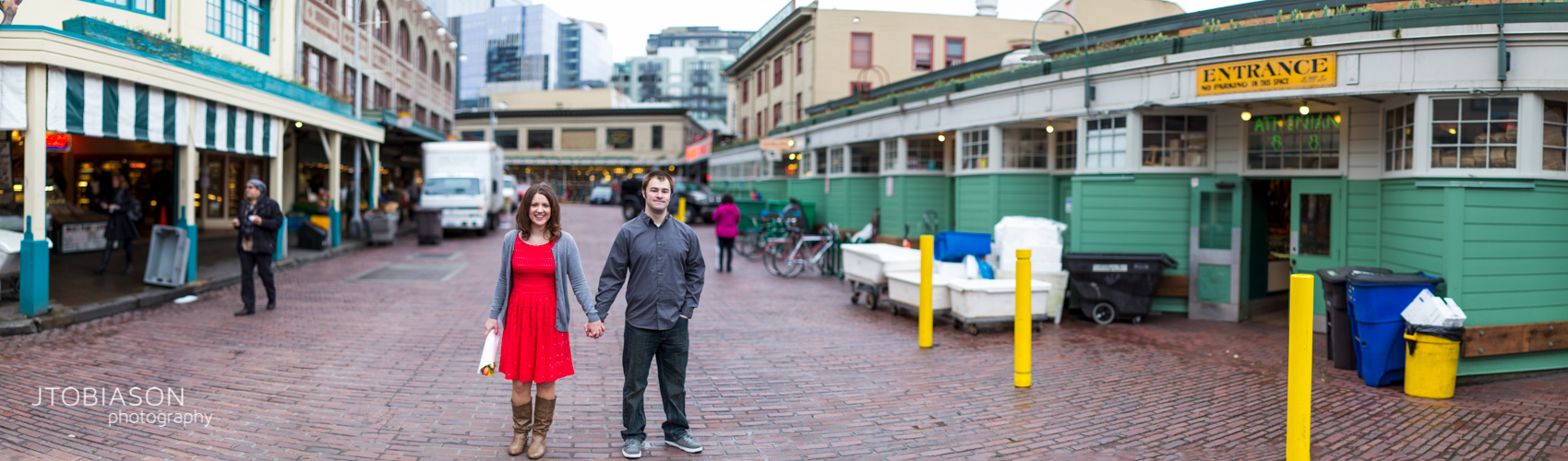 engagement photos pike place brenizer photo