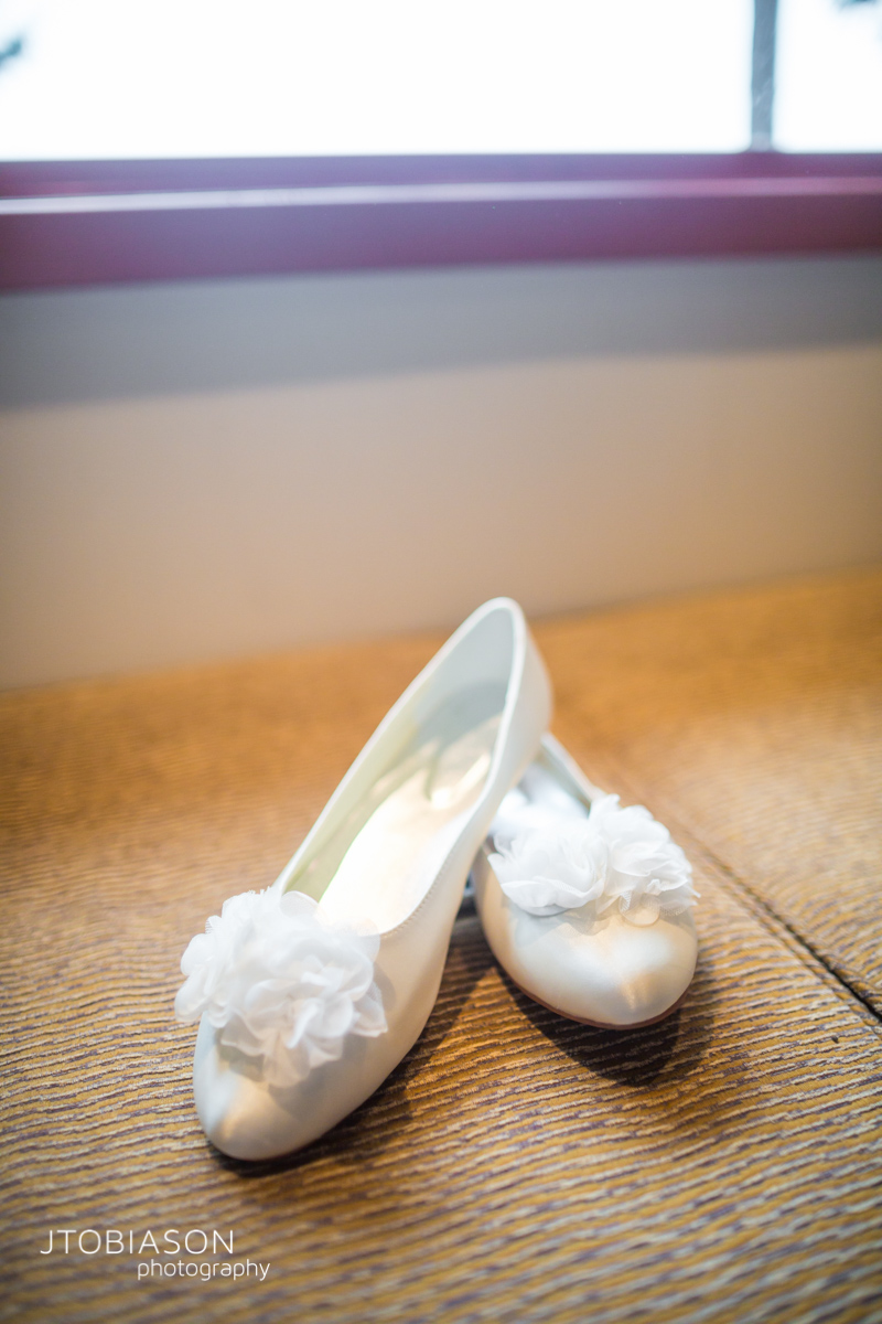 Bride's shoes photo