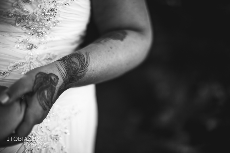bride with tatoos photo
