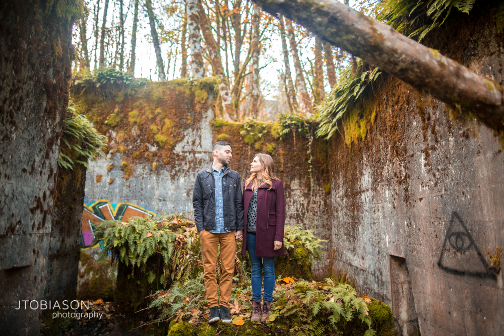 Fall leaves engagement photos-3