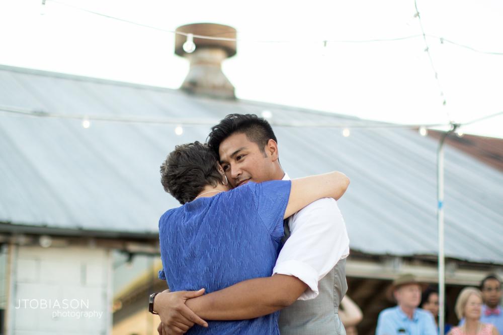 Mother son dance at Dariyland Wedding photo