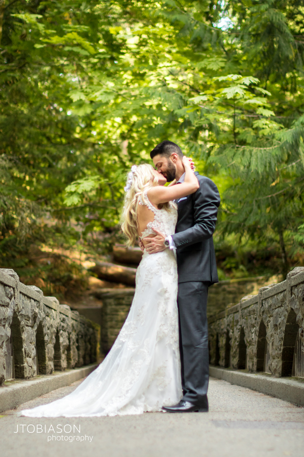 20 - Bride and groom kiss Bellingham Fall Wedding photo