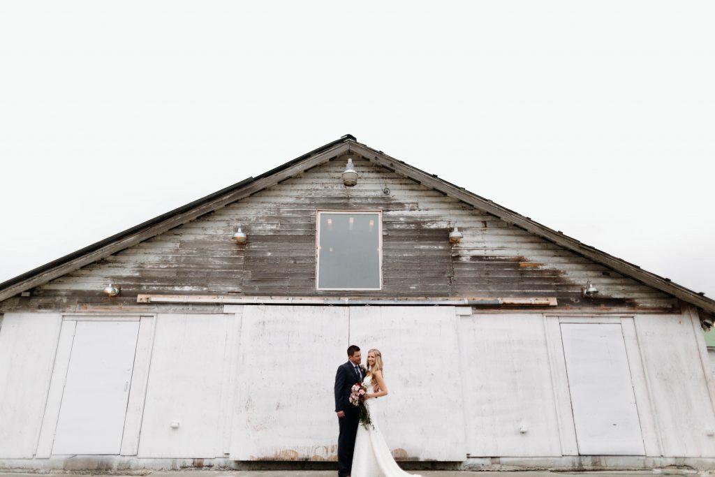 bride and groom dairyland wedding