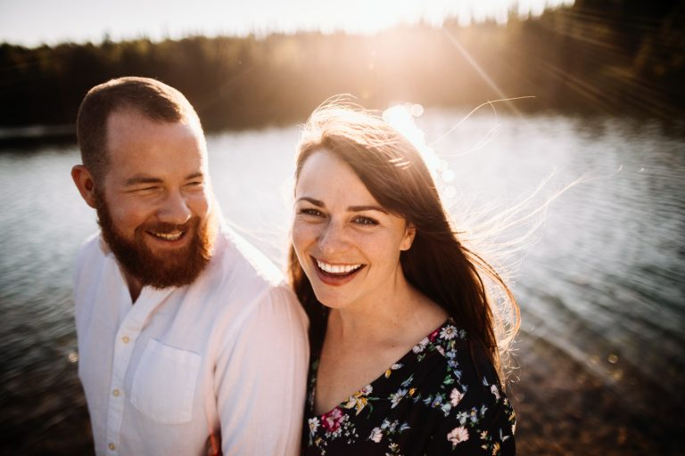 Jeremy & Lisa | Sunset Gold Creek Pond engagement